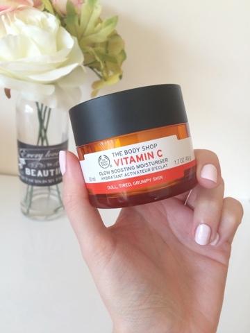 the body shop vitamin c glow boosting moisturiser review indonesia