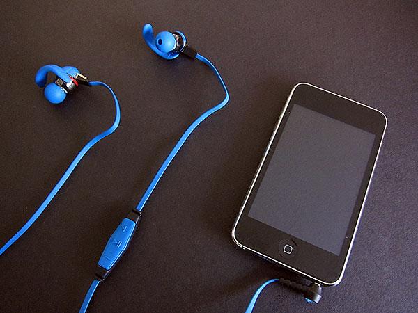 monster isport in ear headphones review