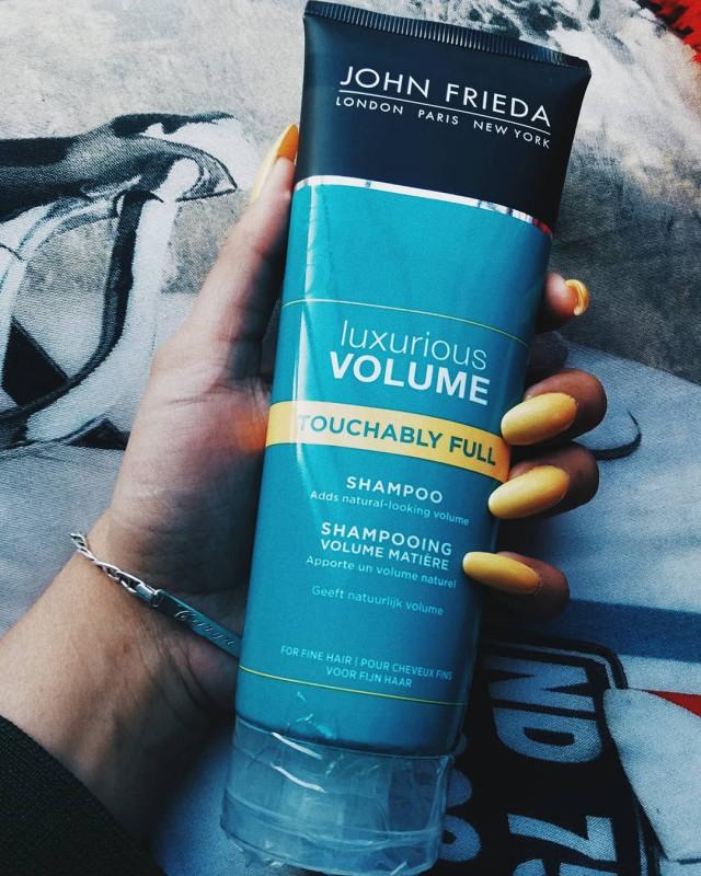 john frieda luxurious volume hairspray review